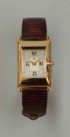 Boodles & Dunthorne: An 18ct gold lady's Greenwich wristwatch