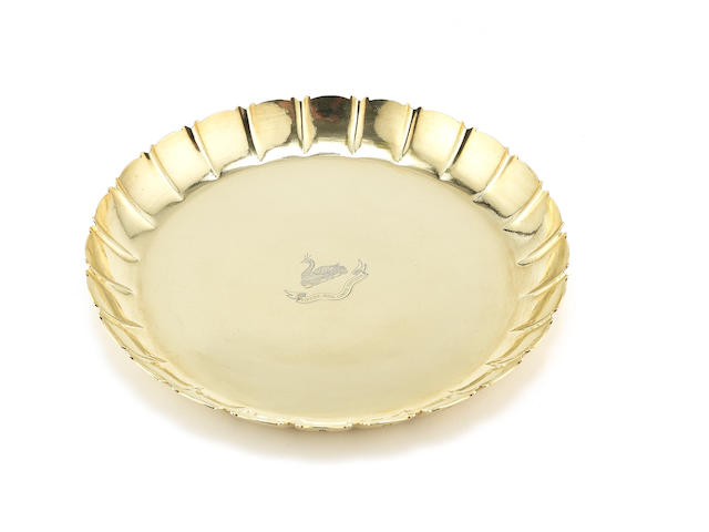 An 18 carat gold  strawberry dish by D Lacy-Hulbert, Sheffield 1966