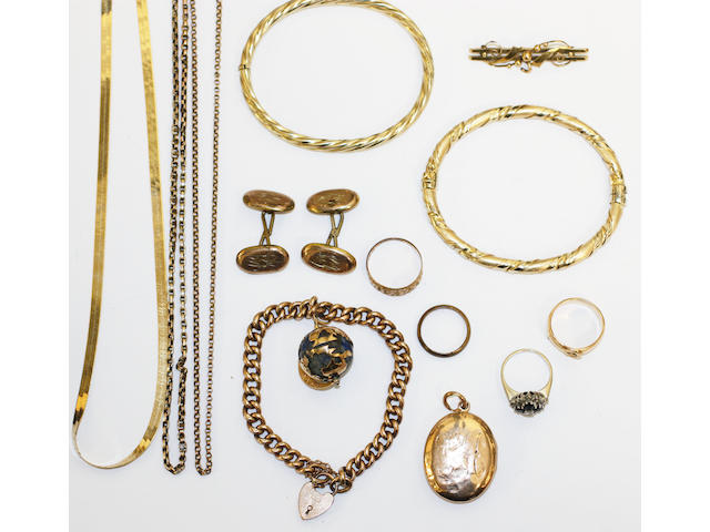A small collection of jewellery, including two hinged bangles, one stamped '375', the other '750, a sapphire and diamond quatrefoil cluster ring, a curb-link chain bracelet with sodalite globe charm, an 18ct gold buckle ring, etc.