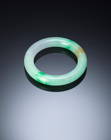 A jadeite bracelet   Qing dynasty