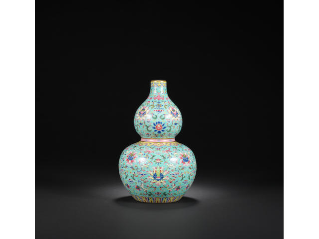 A turquoise-ground famille-rose 'double-gourd' vase Daoguang iron-red six-character seal mark and of the period
