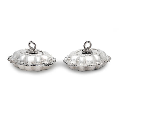 A pair of 20th century silver entree dishes by Elkington & Co, Birmingham 1921
