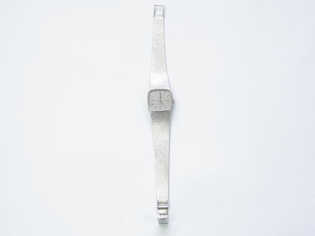 A lady's 9ct white gold wristwatch, by Omega