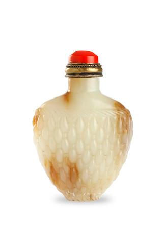 A jade 'woven basket' snuff bottle