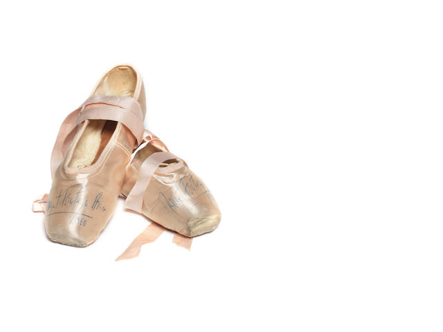 Margot Fonteyn: A pair of ballet shoes worn and autographed by Margot Fonteyn,  1960,