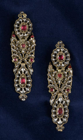 A pair of late 18th century/early 19th century Portuguese long earpendants (3)