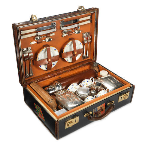 A cased picnic set for four persons, pre-War,