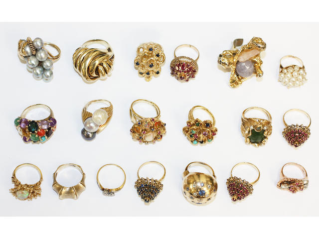 A collection of dress rings, (19)