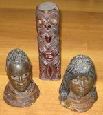 A Maori nephrite pendant, hei tiki, New Zealand, four other souvenirs 5