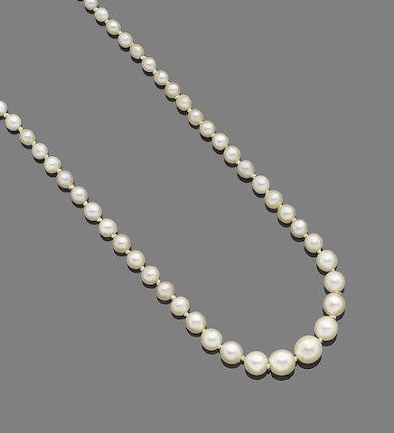 An early 20th century single-strand pearl necklace