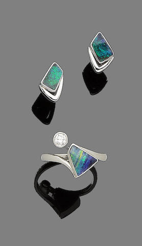 An opal and diamond ring and earstuds (2)