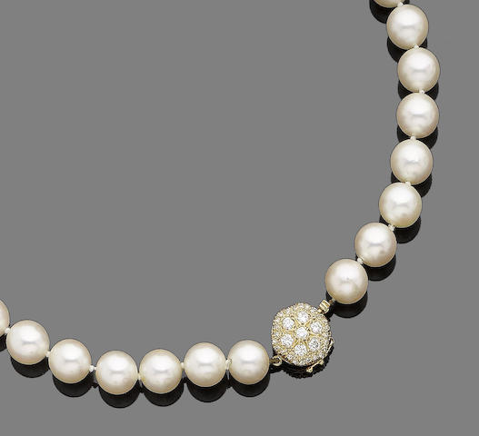 A single-strand cultured pearl and diamond necklace