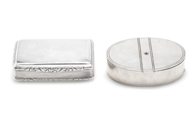 A mid-19th century Russian silver double snuff box by Vasily Semyonov, Moscow 1857, together with a George IV snuff box, by Thomas Shaw, London 1825 (2)