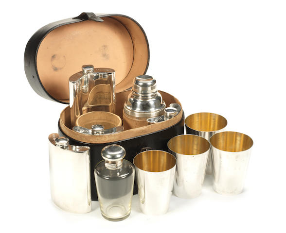 Black oval drinks set,