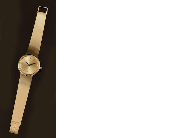 Longines: A gentleman's 18ct gold Flagship wristwatch