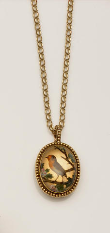 A Victorian reverse carved intaglio rock crystal locket