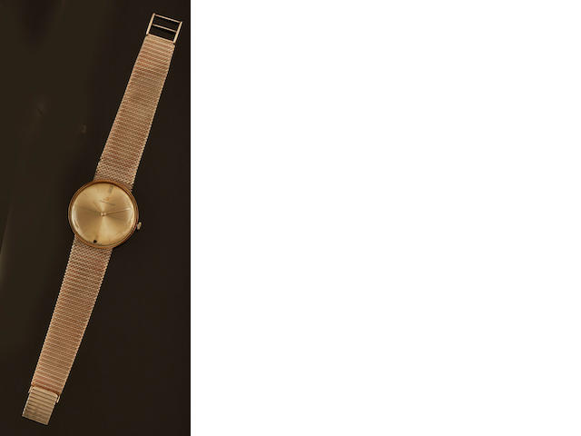 Jaeger-LeCoultre: A gentleman's 9ct gold wristwatch