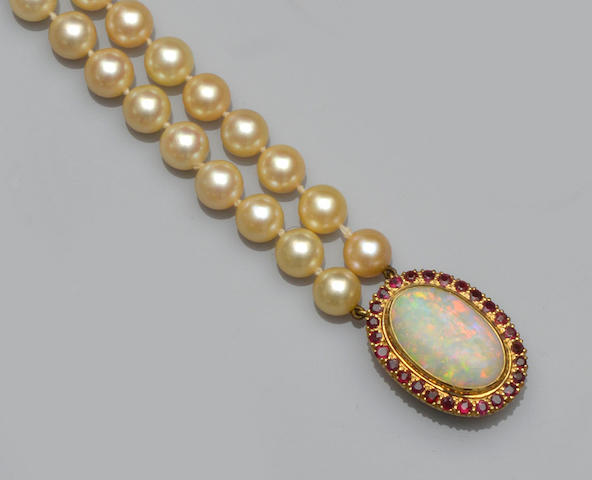 A two row cultured pearl choker necklace
