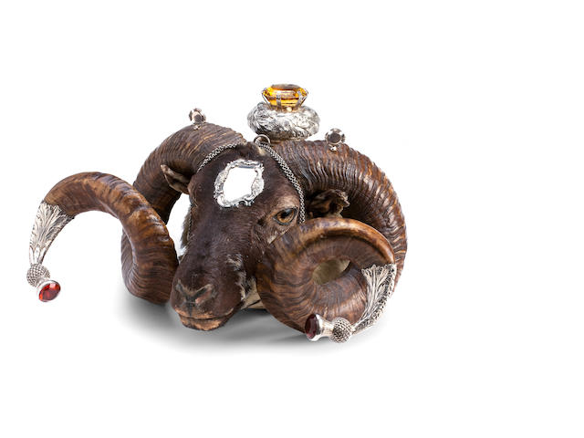 A silver mounted ram's head snuff mull by J.R, Edinburgh 1889