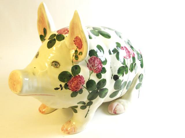 A large Plichta 'Clover' pattern pig