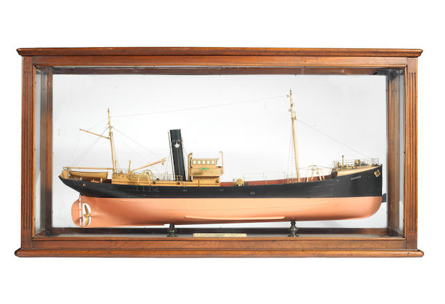 A good Builder's model of the Grimsby Stream Trawler SS Green Howard GY433/Gunner GY434 1927 44.5x13.4x23ins. (113x34x59cm)