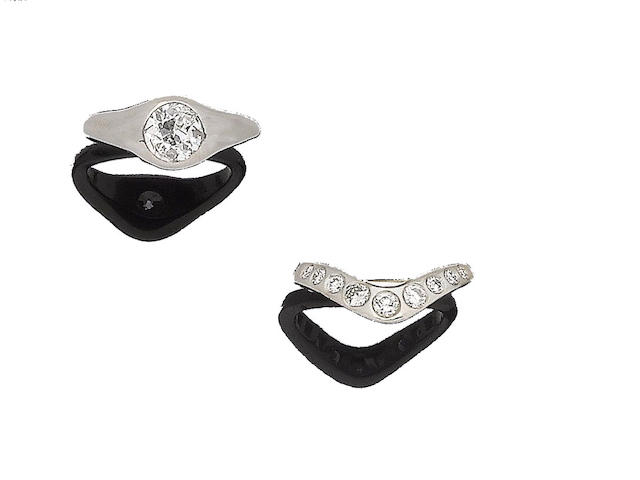 A diamond single-stone ring and a diamond half-hoop ring (2)