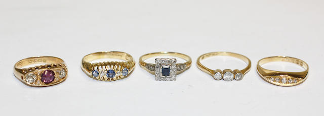 Five gem set rings, (5)