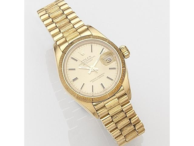 Rolex. A lady's 18ct gold automatic calendar bracelet watchDatejust, Ref:69278, Serial No.869****, Circa 1985