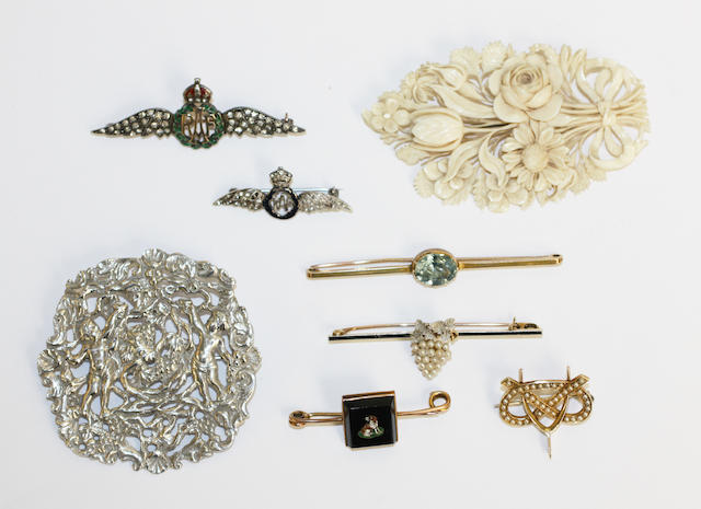 Two RAF sweetheart brooches and four other brooches,  (8)
