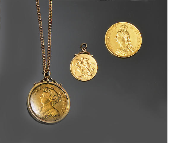 Victoria: A Golden Jubilee two pound coin; Anne: two guineas, 1714, and a sovereign pendant (3)