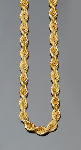 A ropetwist necklace and bracelet suite