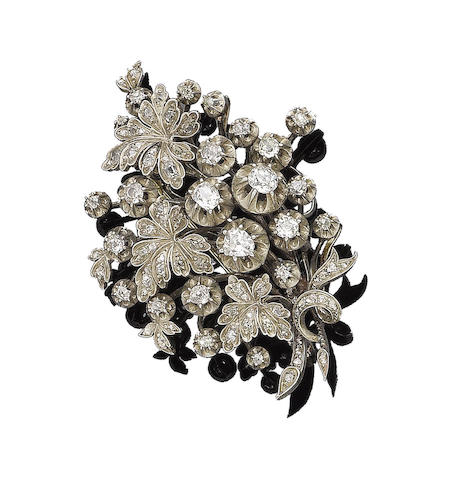 A diamond spray brooch/pendant
