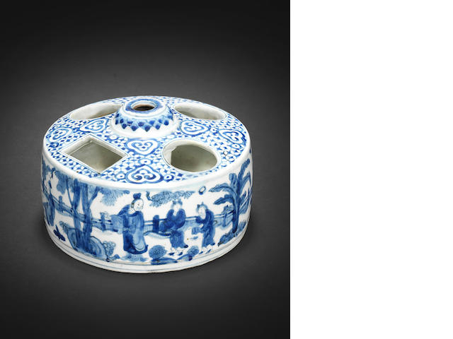 A rare blue and white cylindrical brush and ink holder Wanli