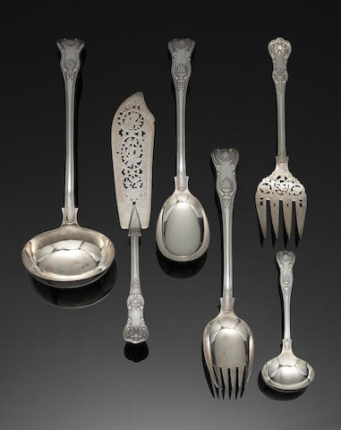 An extensive silver King's pattern table service of flatware and matched cutlery flatware predominately by William Hutton & Sons Ltd, London 1898 / 1899
