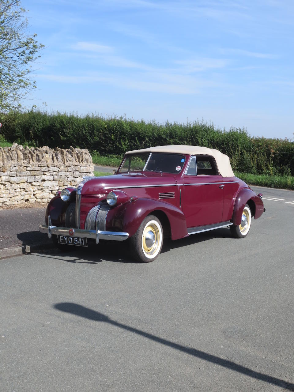 1939 Pontiac Deluxe 120 'Silver Streak' Convertible  Chassis no. EB18262 Engine no. 6-502086