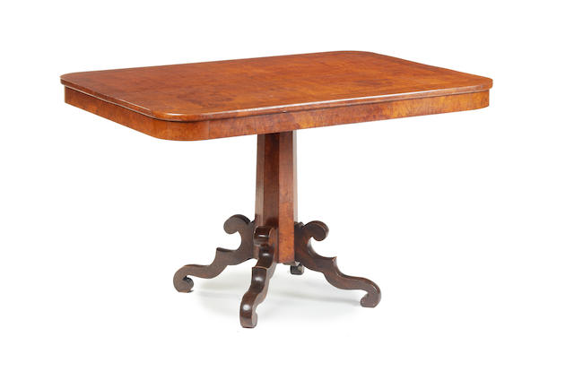 A Victorian figured oak breakfast table, Welsh  The timber reputedly from an oak tree known as Derwen Ceubren yr Ellyl