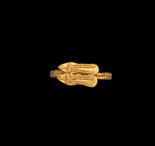 A Fatimid filigree gold Ring Egypt or Syria, 10th-11th Century