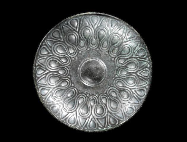 A Pre-Achaemenid bronze phiale mesomphalos