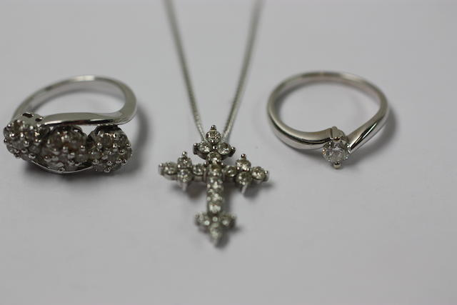 A small collection of diamond jewellery, (3)