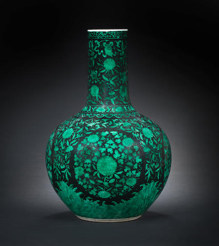 A large black-ground green-enamelled 'hydrangea' vase, tianqiuping 18th/19th century 46cm (18in) high