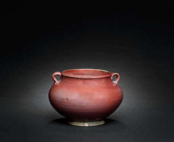 A fine and rare Junyao red-glazed jar 14th/15th century