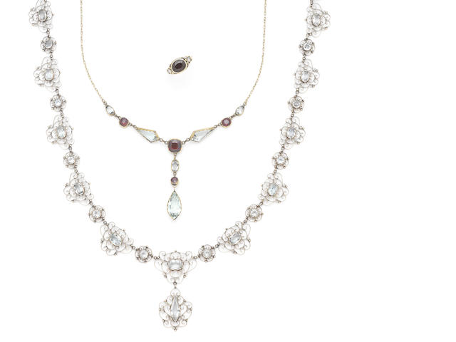 A collection of garnet and aquamarine jewellery, (4)