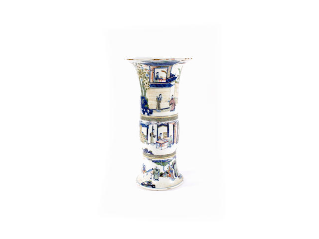 A Chinese famille verte beaker vase, gu, Kangxi, and a Chinese blue and white dish