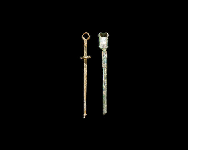 A Roman yellow glass stirring rod and a green glass spoon/siphon, 2