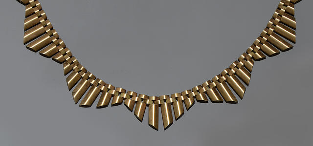 A 9ct gold fringe necklace