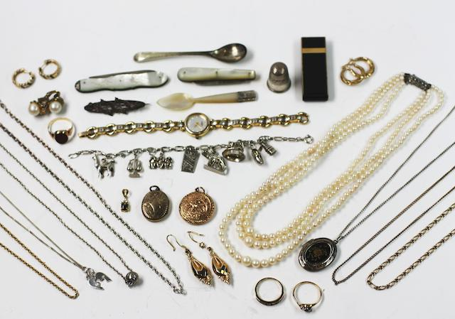 A collection of assorted jewellery and silver items