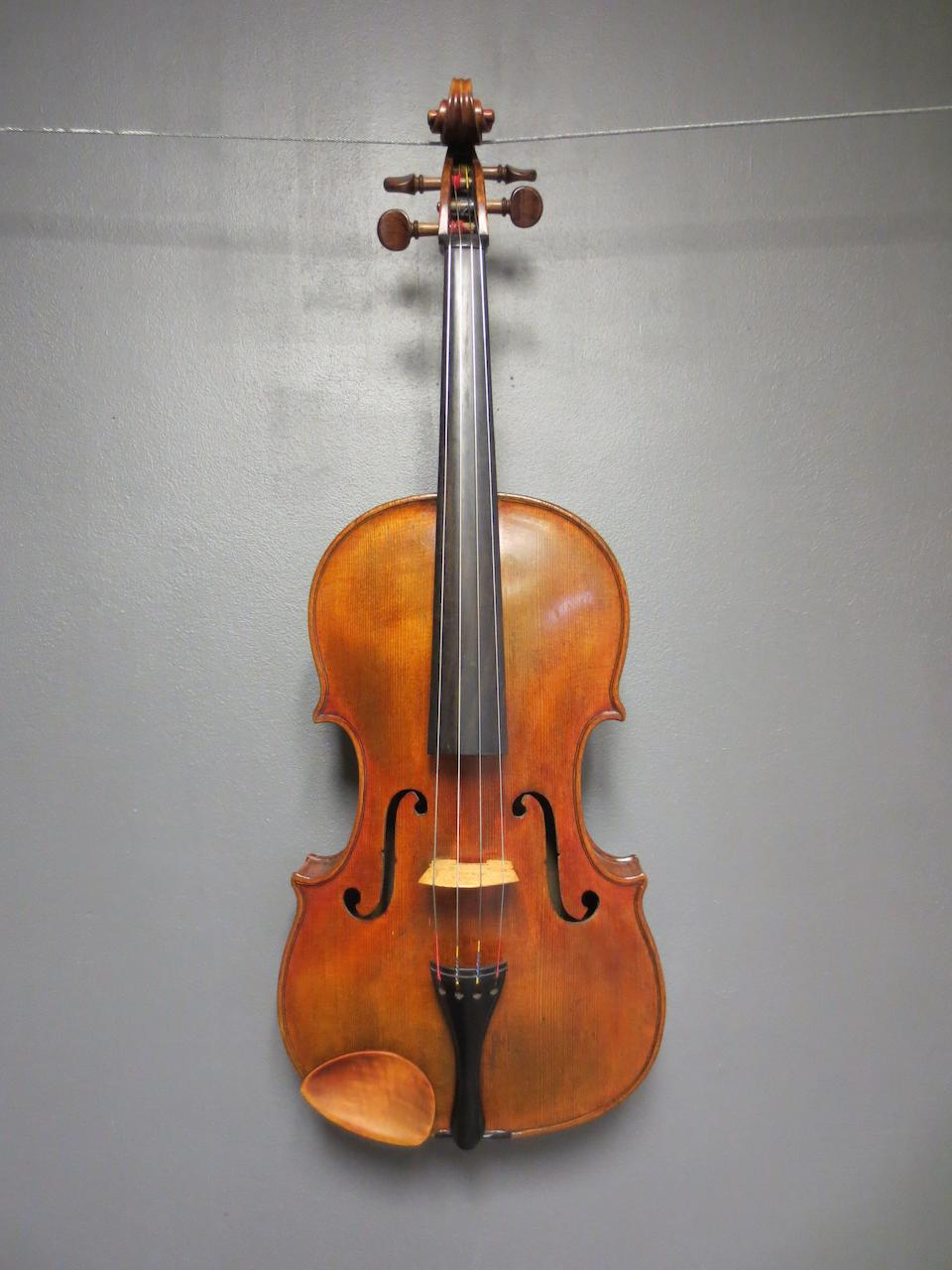 A Viola of the Roth School circa 1900 (1)