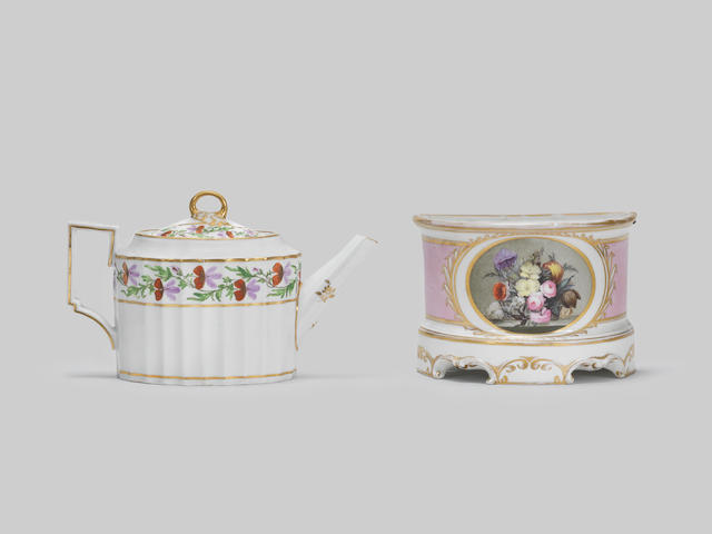 A Pinxton bough pot and a teapot and cover, circa 1795-1800