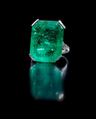 An art deco emerald ring,
