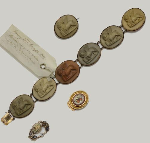 A collection of 19th century jewellery (9)